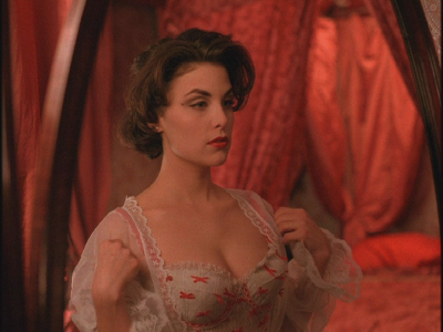 Hairy Lesbian Feminists I Didnt Identify As That At 18 I Figured I Was Doomed To Masturbate To My Sherilyn Fenn Twin Peaks Poster For All Eternity